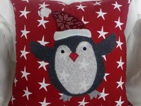 圣誕企鵝抱枕
