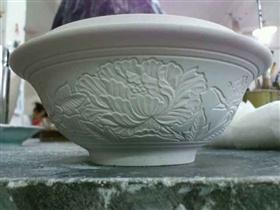 大碗泥塑雕塑