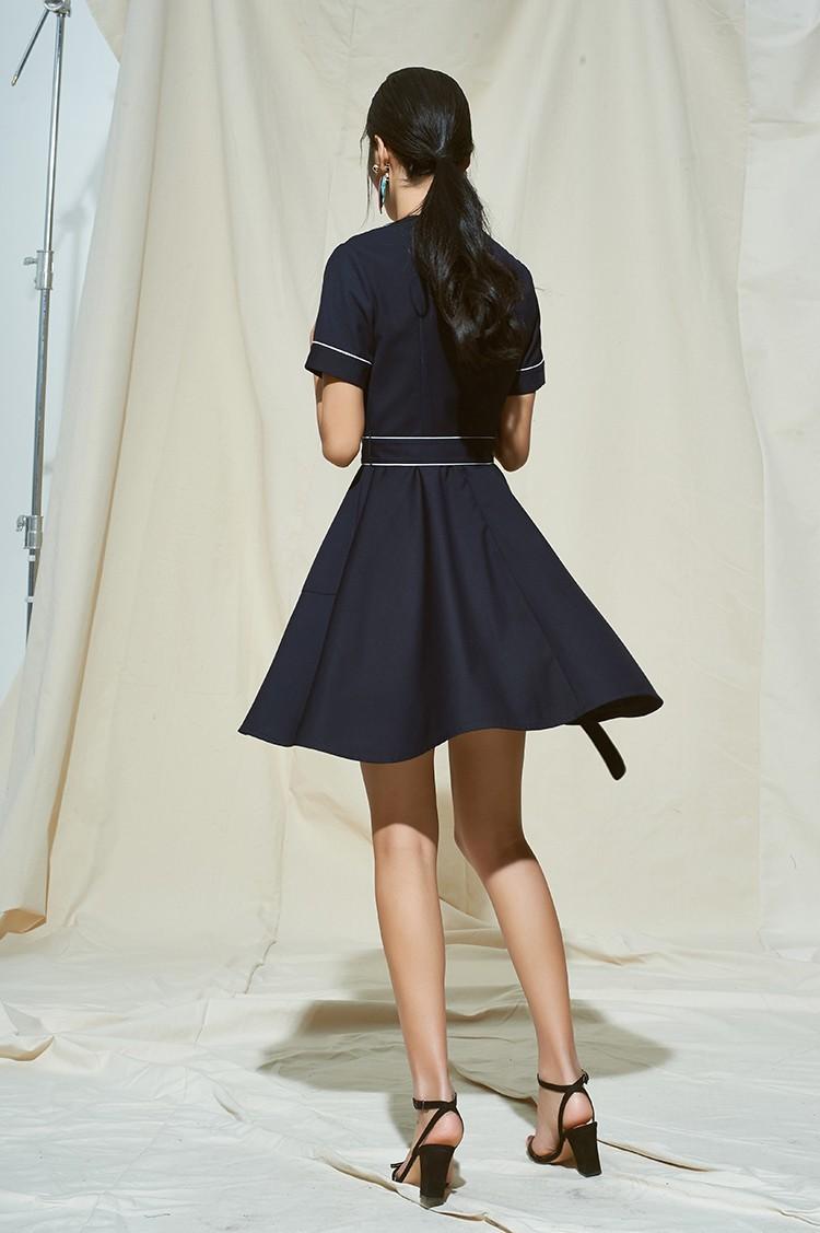睡衣风法式优雅撞色包边连衣裙