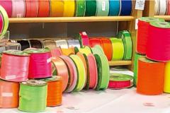 从视觉层面打动消费者,时尚新潮的文具颜色趋势