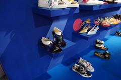 秋季鞋履色彩趋势,未来主义的colorful